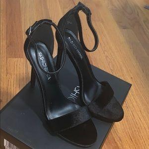 Fashion Nova black high heel sandals sz 8.5